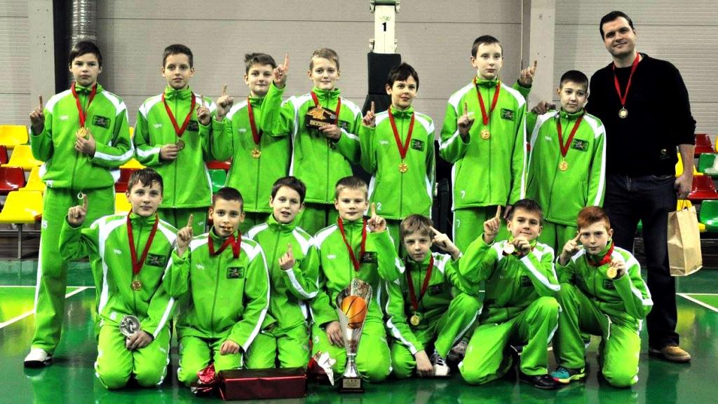 Els nens de l'escola de bàsquet d'Arvydas Sabonis que participaran al torneig.